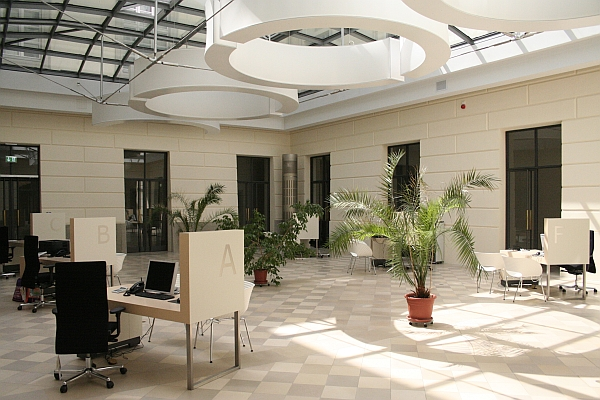 The ssc is located in the main building unter den linden 6 in the