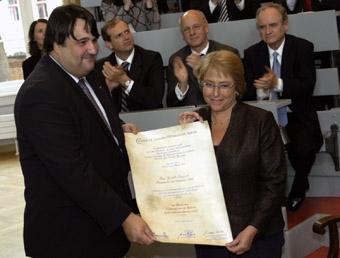 Verleihung der Ehrenpromotion durch die Charité